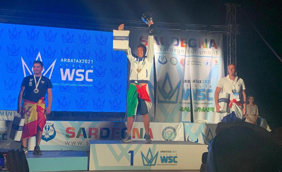 Giacomo De Mola campione del mondo di pesca in apnea